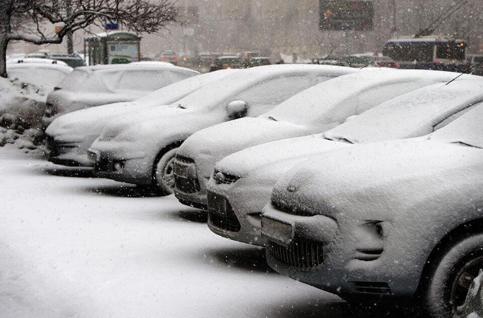 Outdoor car rental delivery